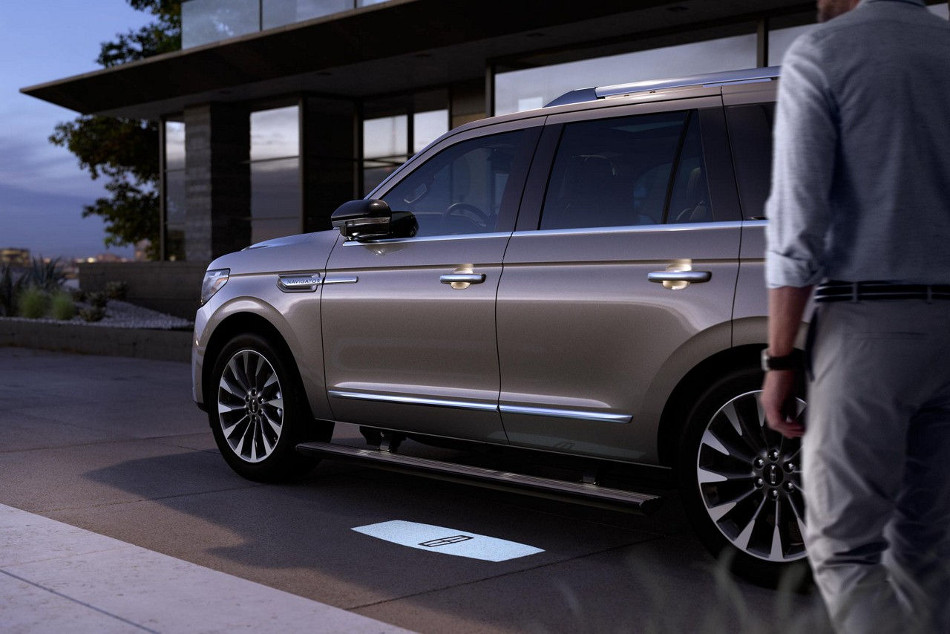 Lincoln presenta la novedosa Navigator 2018