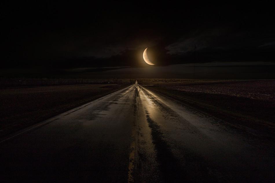 Cómo conducir de noche sin luces