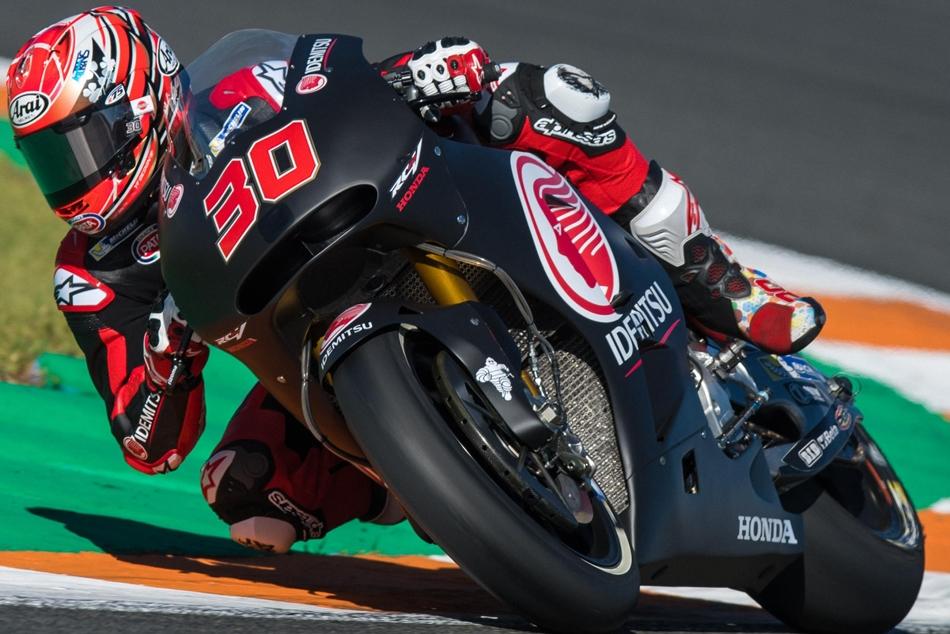 Viñales lidera el primer día de test bajo la controversia de Yamaha