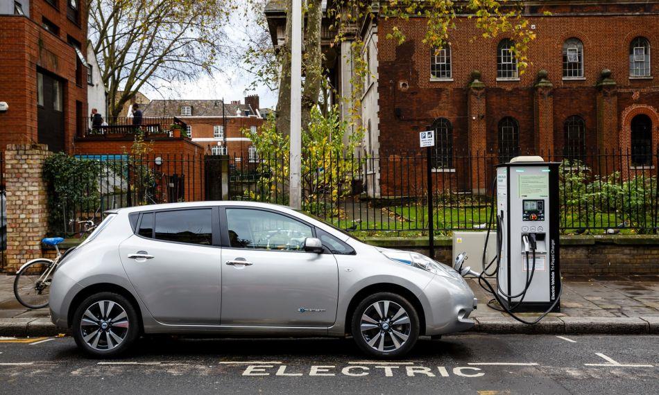 Europa espera vender unos 200.000 coches eléctricos en 2018