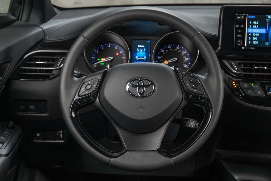 Toyota C-HR 2018, un musculoso SUV compacto