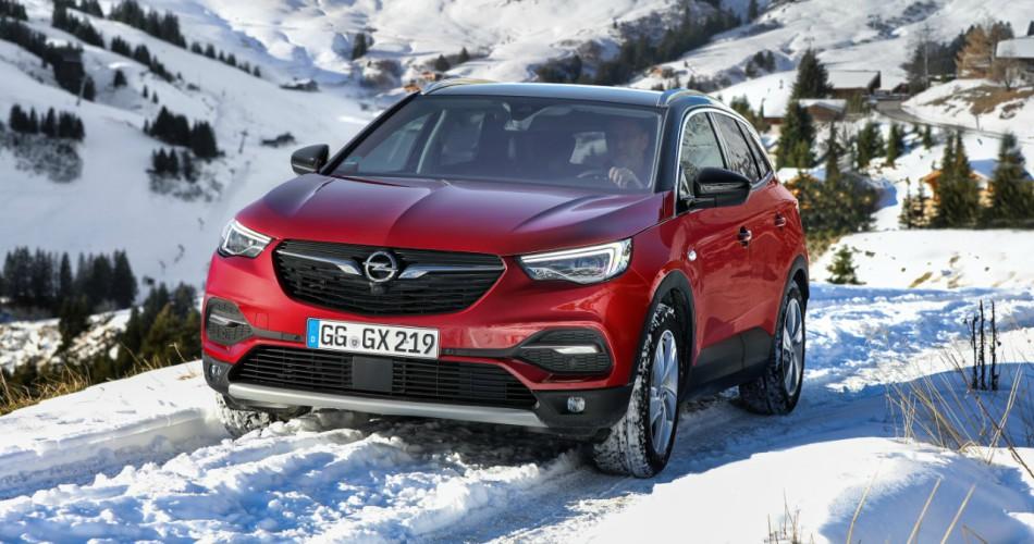 Opel Grandland X con el control de tracción IntelliGrip