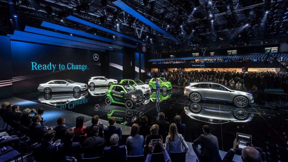 Mercedes-Benz presenta una nueva tecnología híbrida Diésel