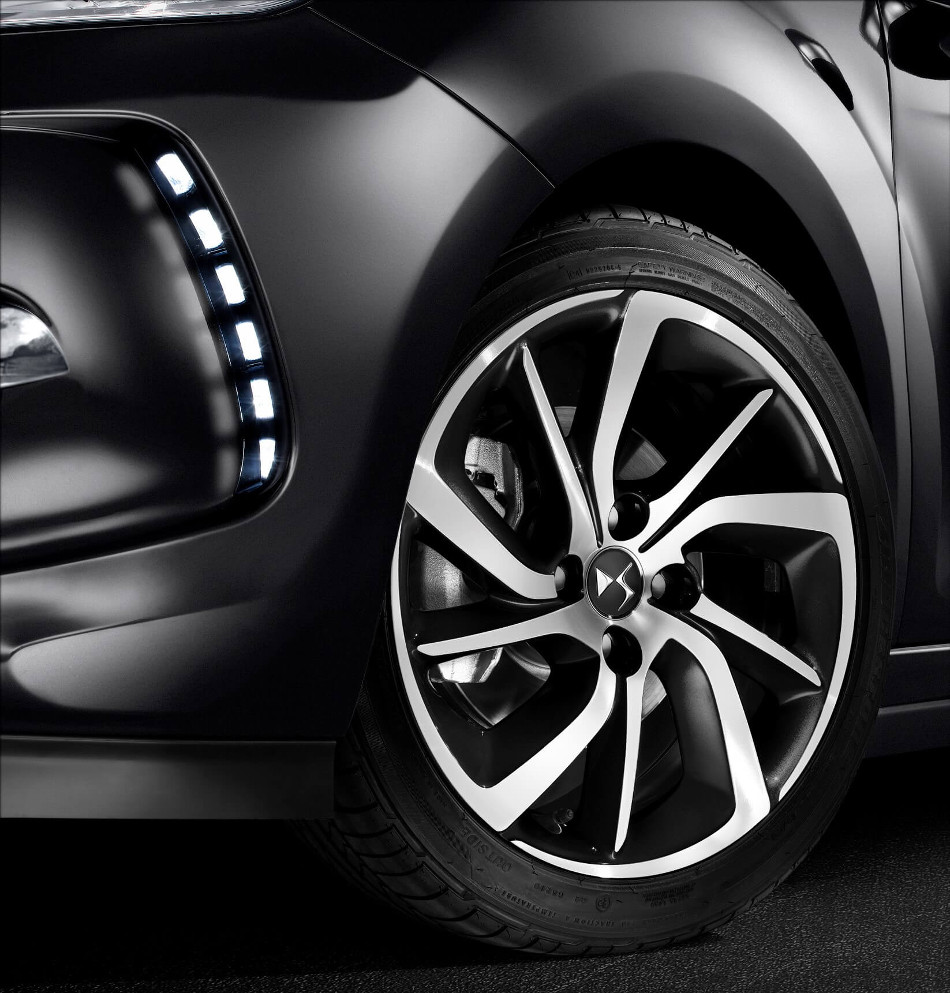 DS Automobiles lanzó el nuevo DS3 Black Lézard edición especial