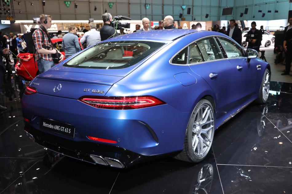 El Mercedes-Benz AMG GT Coupe de 4 puertas 2019 ya se dejó ver