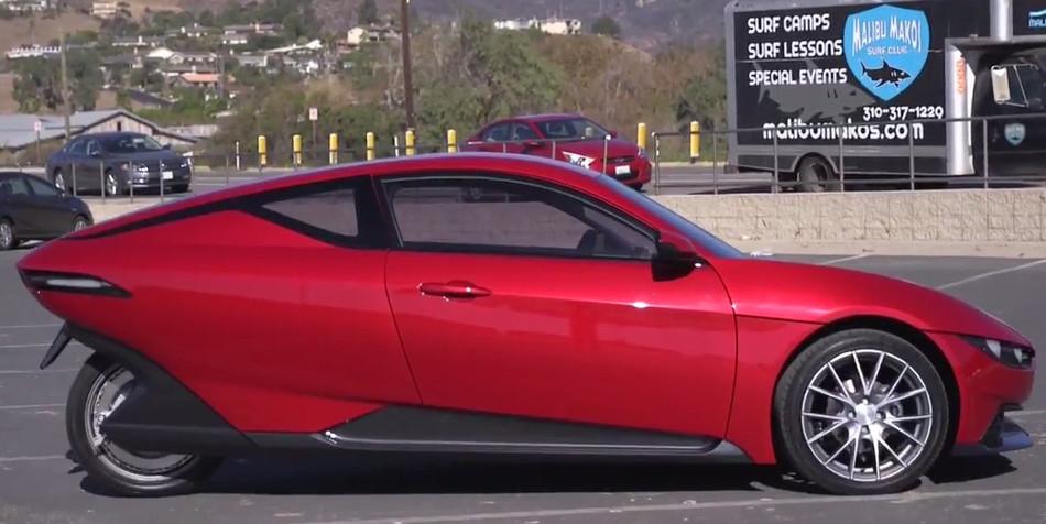 Sondors se plantea un coche eléctrico de tres ruedas