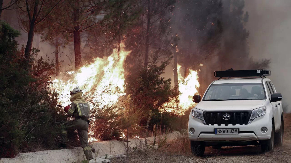 Lo que debemos hacer ante un incendio forestal mientras viajamos en nuestro auto