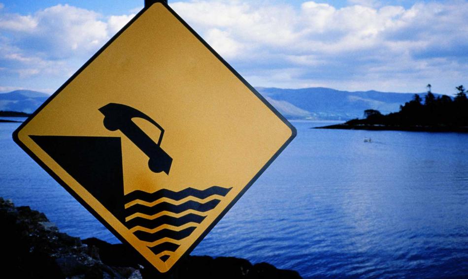 Que hacer si caemos al agua con nuestro vehículo