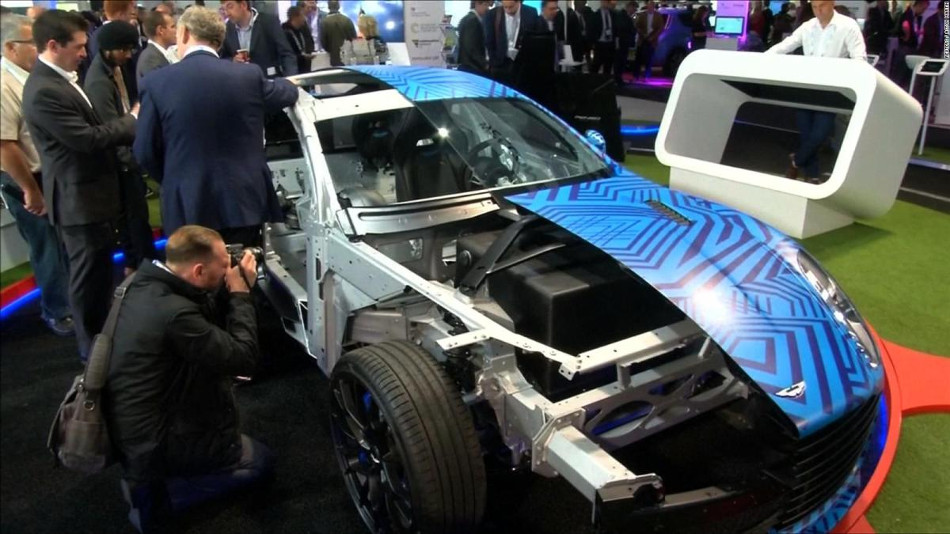 Conoce el primer auto deportivo de Aston Martin, el Rapid E