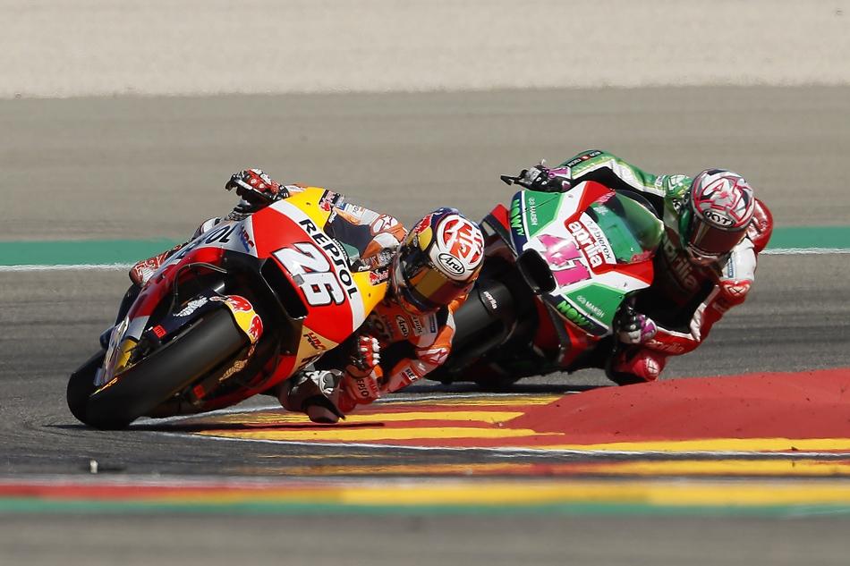 Márquez gana el cuerpo a cuerpo a Dovizioso en Aragón