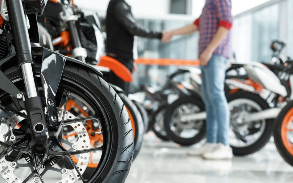 Qué hacer al comprar una moto usada