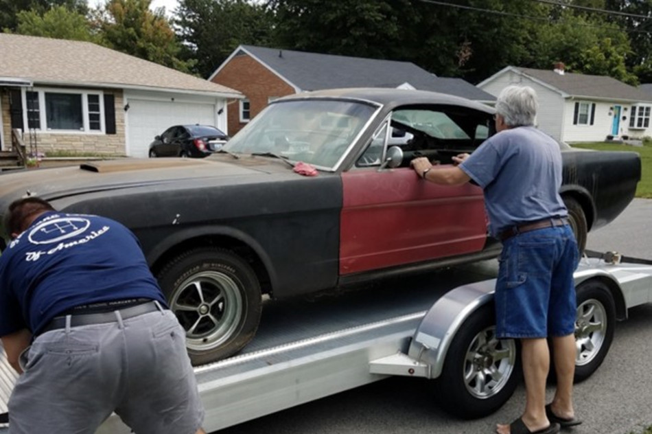 Mustang Shelby GT350 de 1966 abandonado
