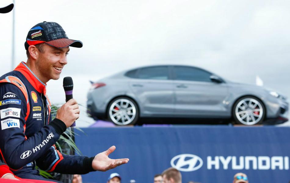 Hyundai no asegura a Paddon al 100%