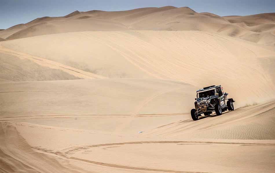 'Chaleco' ya tiene su Dakar con Farrés y Oliveras segundos