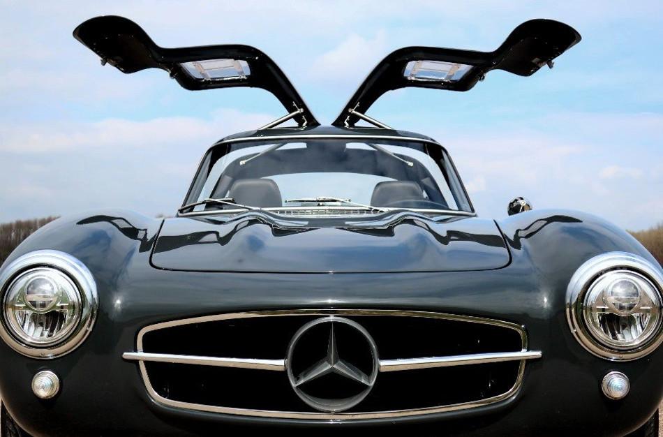 Una réplica moderna del Mercedes-Benz 300 SL Gullwing