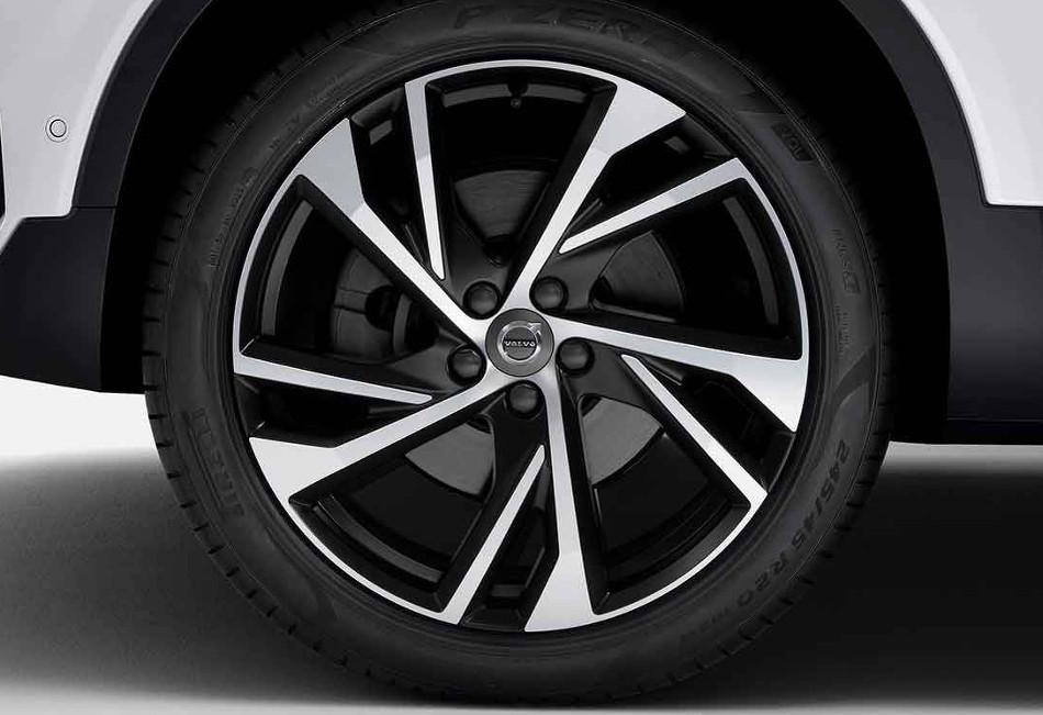 Volvo XC40 eléctrico llegará al mercado en el 2020