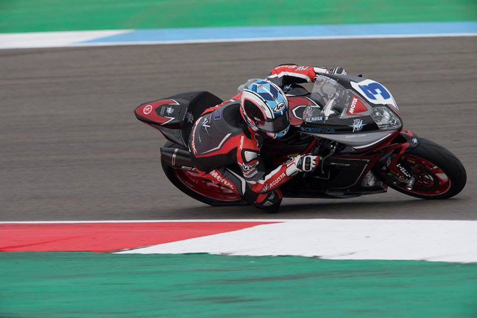 Randy Krummenacher sigue al frente en Assen