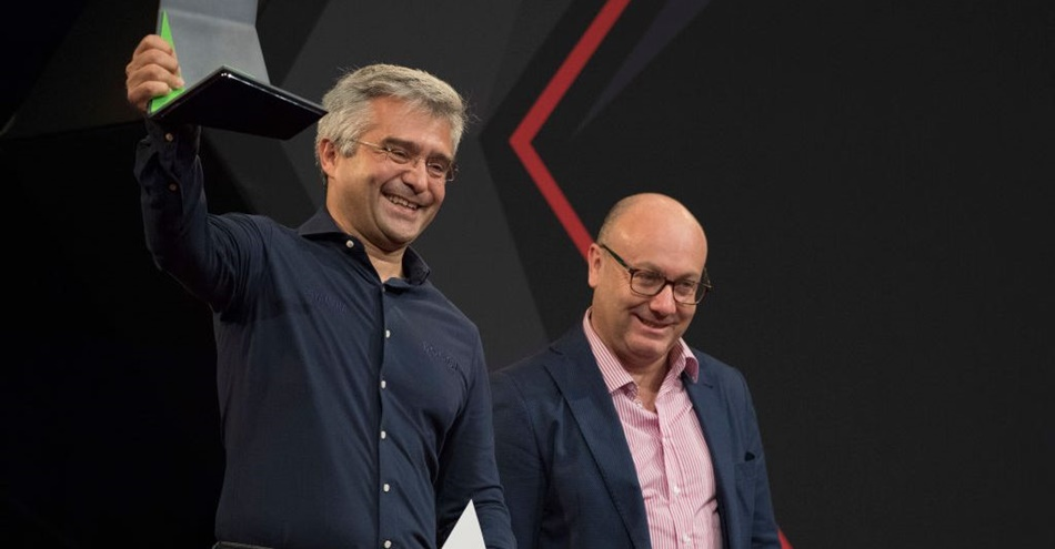 """Andrea Dosoli: """"Yamaha tiene todo para vencer a Álvaro Bautista"""""""