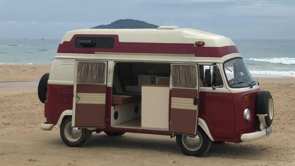 Volkswagen Kombi 1978 renovada