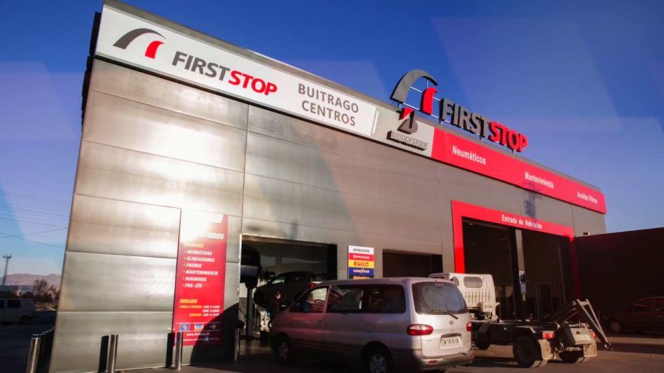 First Stop presenta su flota ecológica para realizar servicios móviles