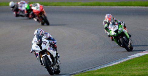Tom Sykes y Marco Melandri son los zares del Moscow Raceway