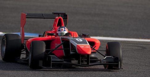 Tio Ellinas regresa de las vacaciones marcando el mejor tiempo en los libres de GP3 en Spa