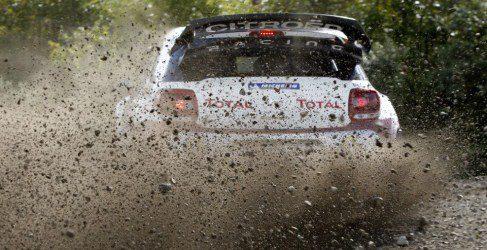 Citroën elige salir delante en la primera jornada del Rallie de Gran Bretaña