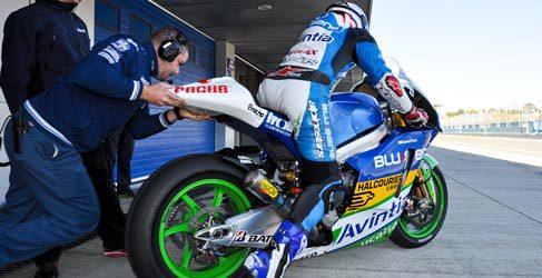 Hayden lidera los tiempos y Barberá estrena la Inmotec en Jerez