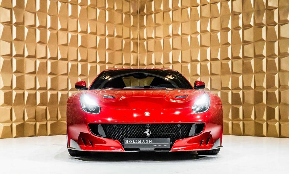 Hollman presenta un espectacular Ferrari F12tdf