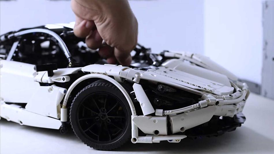 Asombroso McLaren 720S creado por un usuario con piezas de LEGO Technic