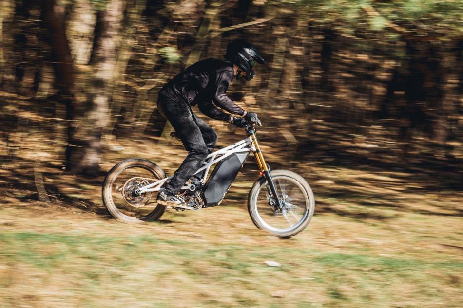 UBCO presenta la FRX1 modelo híbrido entre motocicleta y bicicleta