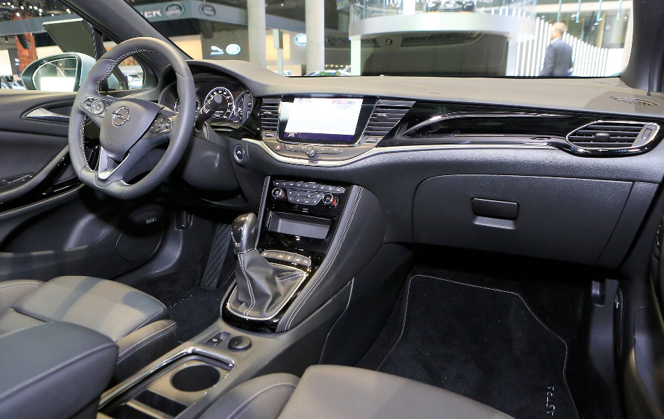 Opel mostró el Astra 2020