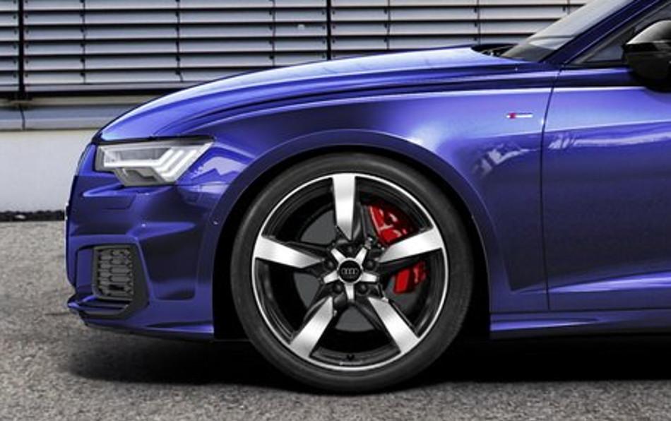 Audi 55 TFSI e Quattro