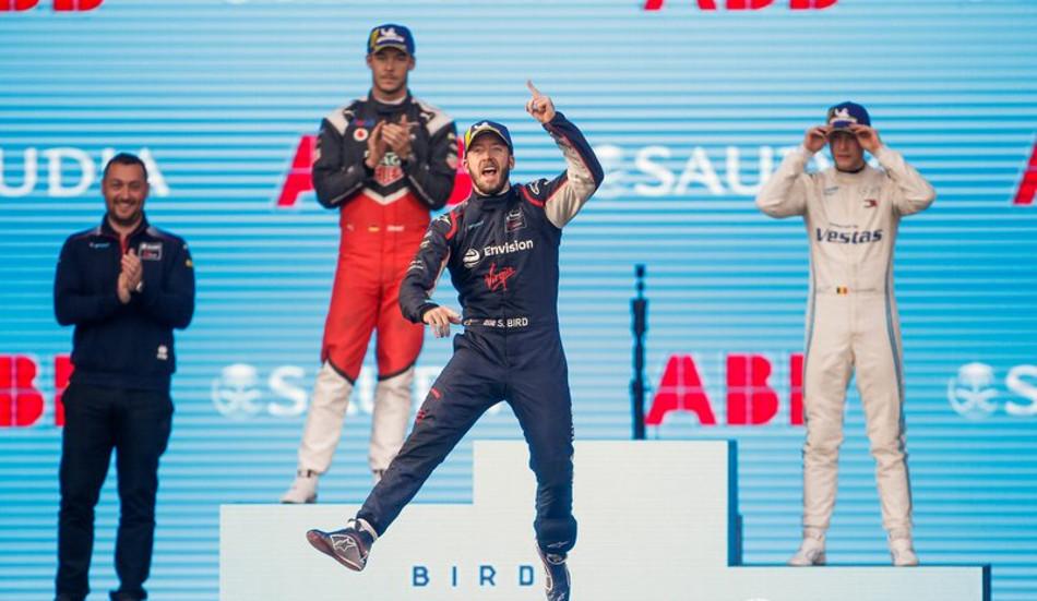 Sam Bird triunfó en la primera carrera del Eprix de Diriyah
