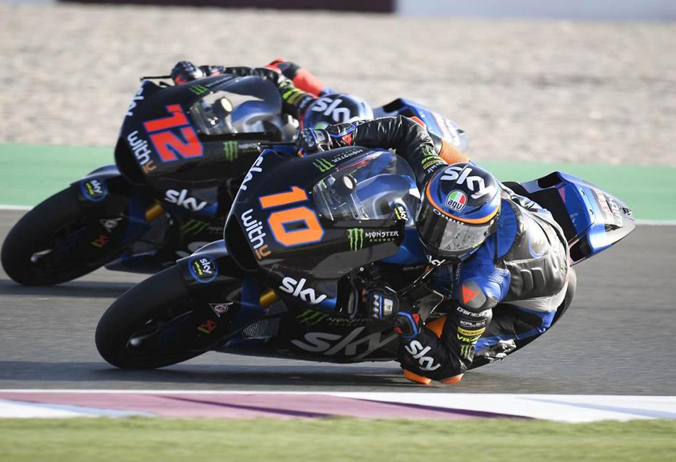 Luca Marini se impone batiendo el récord de carrera en los libres del viernes de Moto2 - Motor y Racing