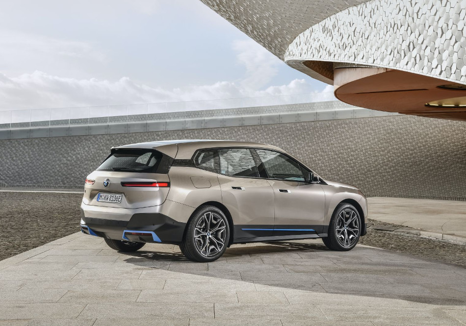 BMW presentó el nuevo iX