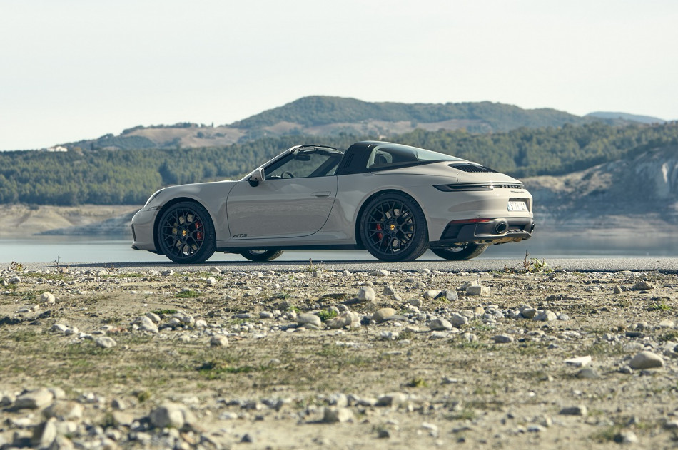 Porsche renueva el 911 2022