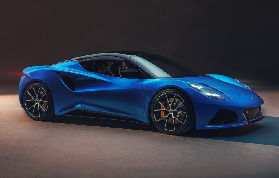 Lotus presentó el Emira 2022