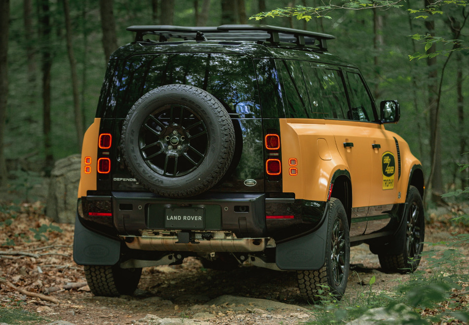 Land Rover Trophy Edition Defenders