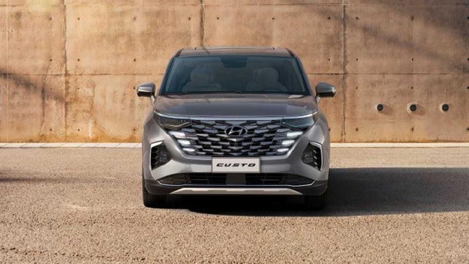 Hyundai presenta el nuevo Custo 2022
