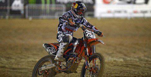 Jeffrey Herlings empieza ganando en MX2