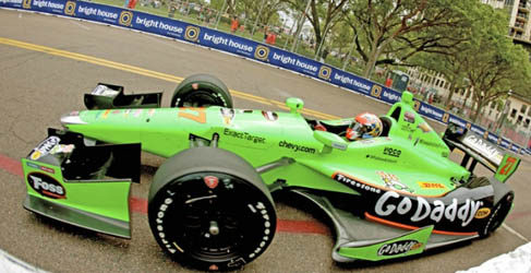 James Hinchcliffe se impone en St. Petersburgo