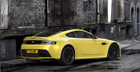 Aston Martin da rienda suelta al V12 Vantage S