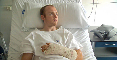 Bradley Smith pasa por el quirófano en Barcelona