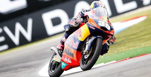 """Luis Salom gana por fe en """"La Catedral"""" de Assen en Moto3"""