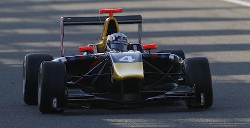 Sainz logra su primera pole en GP3 con una mágica vuelta en Spa