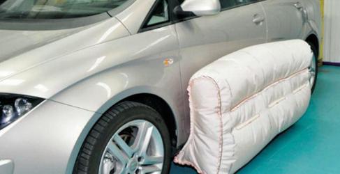 TWR ultima los detalles del airbag lateral exterior
