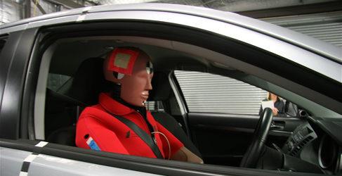 "Cadáveres humanos por ""Dummies"" en peculiares crash test"