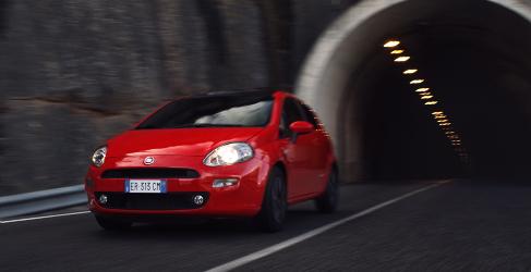 Un nuevo Fiat 500 de 5 puertas podría sustituir al Punto