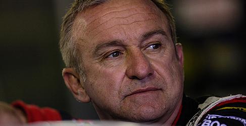Russell Ingall en busca de asiento en los V8 Supercars